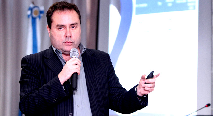 Palestra de Fernando Ferreira no 1o. Fórum debates Futebol Carioca